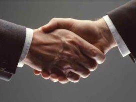 PAZIO en PharmaPartners ondertekenen overeenkomst