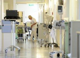 Werknemers in de zorg werken minder lang door