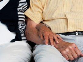 Verpleeghuizen kunnen dementiezorg niet alleen aan