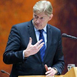 Van Rijn zit vast aan ultimatum pgb-chaos