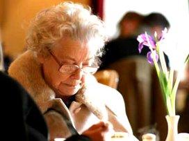 Abvakabo FNV presenteert zwartboek misstanden ouderenzorg