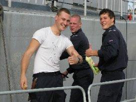 Antonîus werkt samen met marine