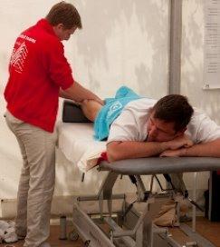 Rebelse fysiotherapeut speelt voor 'verzekeraar'