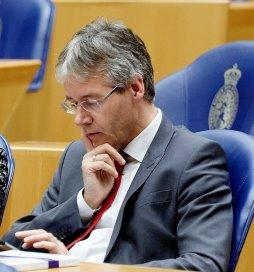 Slob wil uitleg over vacature NZa-voorzitter