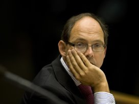 Klink wil liefst nog vier jaar door als zorgminister