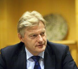 Van Rijn halveert verantwoordingsverplichting zorgaanbieders