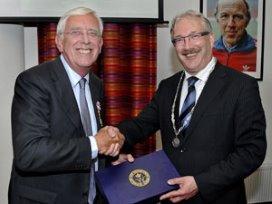 Remmers van Veldhuizen ontvangt koninklijke onderscheiding