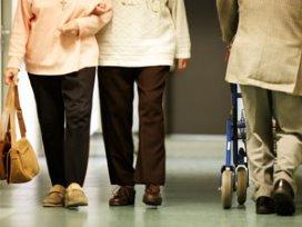 Dagbesteding brengt 'roze' ouderen tot elkaar