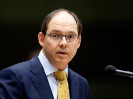 Longartsen zoeken confrontatie met minister Klink