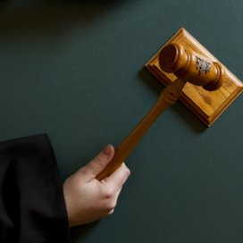 Dermatologen willen bestuur voor rechter dagen
