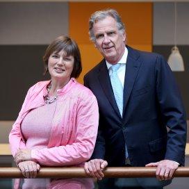 Yvonne Wilders (links) en Peter van Barneveld (rechts)