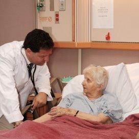 Ouderen-in-ziekenhuis-ThinkstockPhotos-99104809_450.jpg