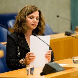 Schippers wil gezag NZa herstellen