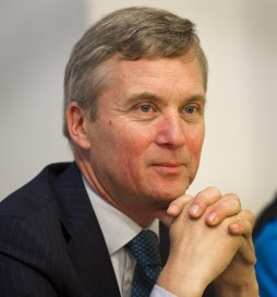 Wethouder Van der Burg: 'Wijkzorgteams kunnen zonder CIZ'