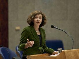 Schippers: Fusieverbod tussen verzekeraars en ziekenhuizen