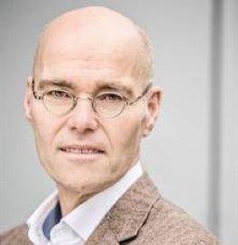Gijs de Vries wordt directeur Rode Kruis