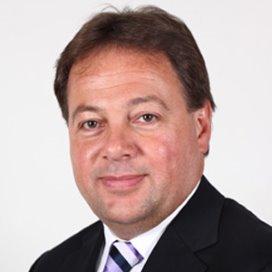 John Taks bestuurder bij Albert Schweitzer ziekenhuis