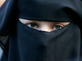 Moslima dient klacht in tegen arts om boerka