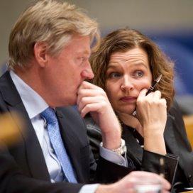 Martin van Rijn en Edith Schippers tijdens de begrotingsbehandeling
