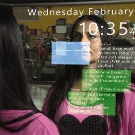 Wize Mirror geeft informatie over gezondheid aan de gebruiker.