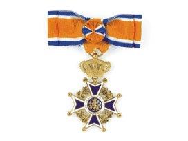 Ernst Roscam Abbing benoemd tot Officier in de Orde van Oranje Nassau