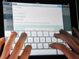 iPad omarmd door gehandicapten