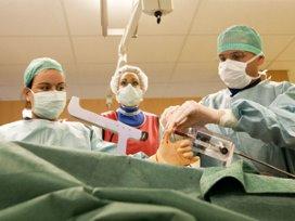 'Korten van chirurgen met 50 procent is rechtvaardig'