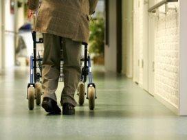 'Ouderen minder snel naar verzorgingshuis'