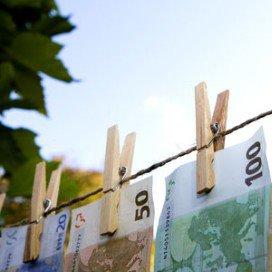 Topsalarissen zorg aan banden