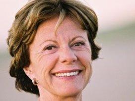 Neelie Kroes: Telecombedrijven moeten zich op e-health storten