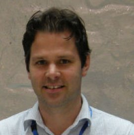 dr. Dirk de Korne