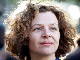 Schippers: Staak ideologische discussie zorg