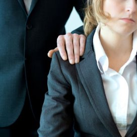 Co-assistenten seksueel geïntimideerd