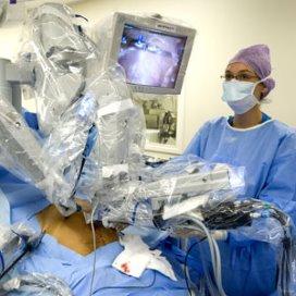 'Minder complicaties dankzij operatierobot'