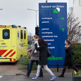 Bonden bezorgd over contracten ziekenhuispersoneel