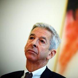 Plasterk veroordeelt beloning consultant Humanitas