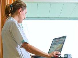 Verpleegkundigen en verzorgenden werken met medewerkerportaal
