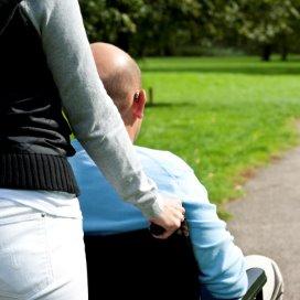 Hulp aan mantelzorger stelt opname dementerende uit