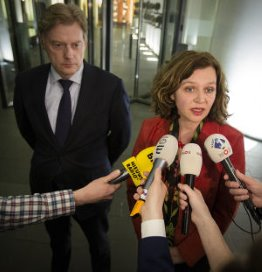 Kabinet: 'werkgelegenheidsverlies in zorg gehalveerd'