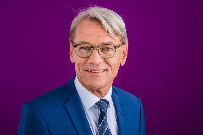 Richard Janssen tweebenig besturen innovatie zorg ESHPM