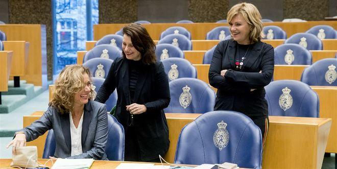 Vlnr. Kamerleden Vera Bergkamp, Suzanne Kroger en Pia Dijkstra van D66. ANP/Jerry Lampen