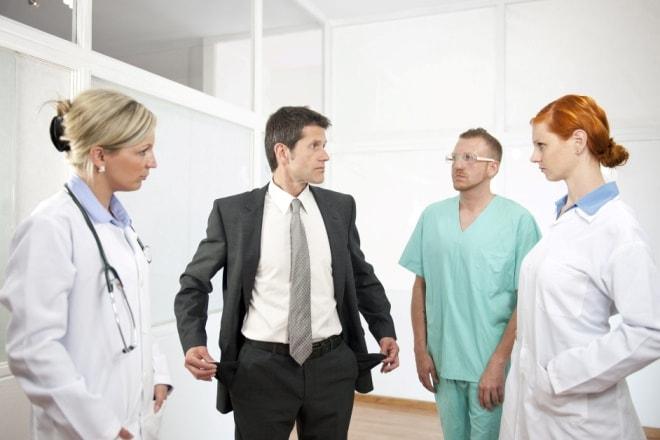 14 ziekenhuizen de facto failliet