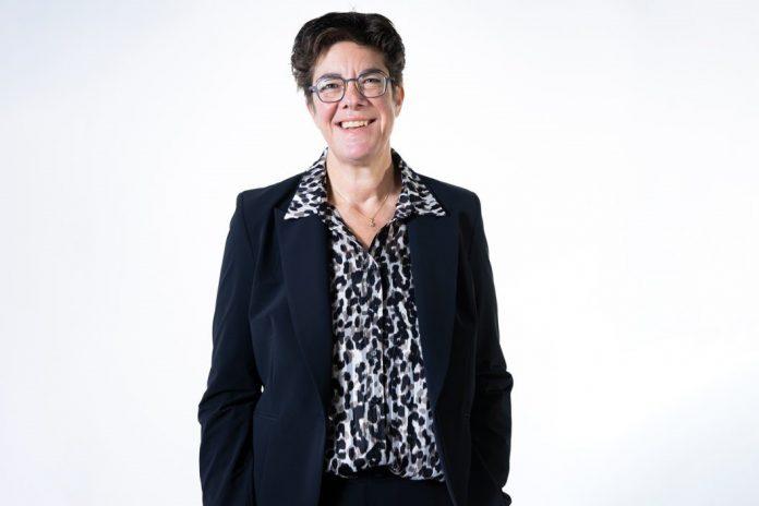 Jacqueline van den Hil